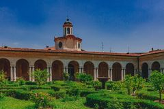 Wewnętrzny podwórze i ogród Ducal pałac w Mantua, Włochy obrazy royalty free