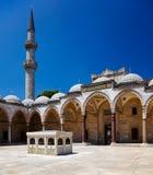 Wewnętrzny podwórze Suleymaniye meczet, Istanbuł zdjęcia stock
