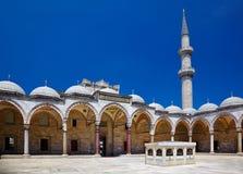 Wewnętrzny podwórze Suleymaniye meczet, Istanbuł zdjęcie royalty free