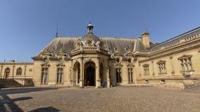 Wewnętrzny sąd kasztel Chantilly, France zdjęcie royalty free