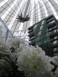 Wewnętrzny widok Środkowa struktura Sony centrum w Berlin (Niemcy) zdjęcie royalty free