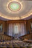 Wewnętrzny widok Boston aleja Jednoczył kościół metodystów w Tulsa, OK zdjęcia royalty free