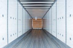 Wewnętrzny widok pusta ciężarówka suchy Samochód dostawczy Przyczepa semi zdjęcie stock