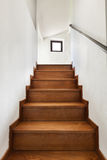 Wewnętrzny wieśniaka dom, schody Obrazy Royalty Free