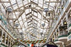 Wewnętrzna architektura St Stephen ` s centrum handlowe w Dublin Zdjęcie Royalty Free