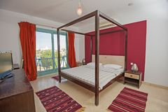 Wewnętrzny projekt sypialnia w domu Zdjęcia Stock