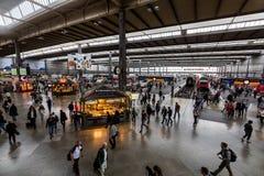 Wewnętrzny widok Monachium magistrali stacja kolejowa Zdjęcie Stock