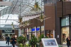 Wewnętrzny zakupy centrum handlowe Ruhr park w Bochum Zdjęcie Stock