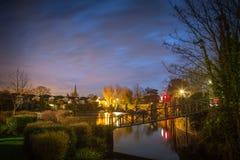 Weybridge teren przy nocą, Londyn, UK Zdjęcia Royalty Free