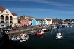 Weymouth hamn på en ljus solig sommardag Arkivbilder
