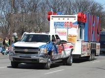 WFMS 95 5 le camion de station de pays au défilé du jour de St Patrick annuel Photographie stock libre de droits