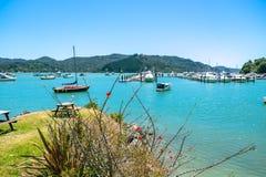 Whangaroa hamn och marina, avlägsen nord, norra delen av ett land, Nya Zeeland Royaltyfri Bild