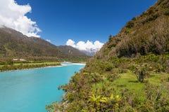 Whataroa rzeka - wspaniały turkusowy kolor Zachodnie Wybrzeże, południe fotografia stock