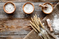 Free Wheat And Rye Ear For Flour Production On Wooden Desk Background Top View Space For Text Royalty Free Stock Images - 100523279