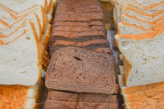 Wheaten brödskivor för frukost Fotografering för Bildbyråer