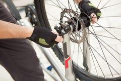Wheel�s repairing Royalty Free Stock Photos