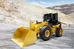 Wheel loader on the mining site Royalty Free Stock Photography