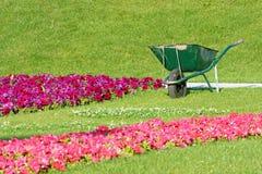 wheelbarrow Lizenzfreie Stockbilder
