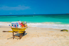Wheelbarrow belonging to beach vendor in beautiful Royalty Free Stock Photos