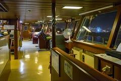 Wheelhouse i modernt skepp Royaltyfri Fotografi