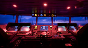 Wheelhouse no navio moderno Fotografia de Stock Royalty Free