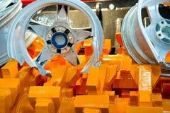 Wheels in metalldokumentförstörare Arkivfoton