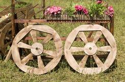 wheels trä Arkivfoton