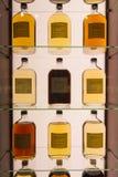 Whiskeis od różnego beczki Suntory Yamazaki Whisky muzeum Zdjęcie Stock