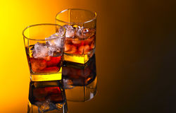 Whiskey avec de la glace, l'espace libre pour votre texte Images libres de droits