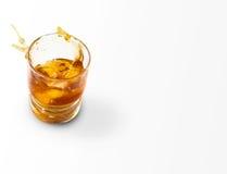 Whiskey avec une éclaboussure Images stock