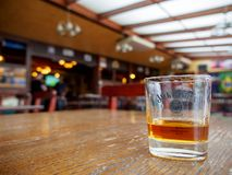 Whiskey de Tennesse de Jack Daniel à un bar, Montreux, Suisse image stock