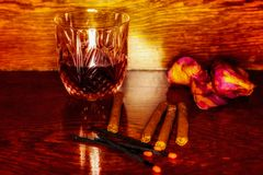 Whiskey drinks with cigars on wooden Stock Photography