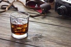 Whiskey et appareil-photo Photo libre de droits