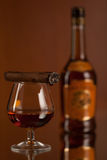 Whiskey et cigare Photo stock