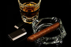 Whiskey et cigare Photographie stock libre de droits