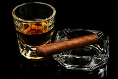 Whiskey et cigare Photos stock