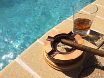 Whiskey, sigari e sole Fotografie Stock