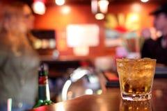 Whiskey sulle rocce Fotografie Stock Libere da Diritti