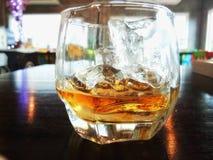 Whiskey sur la roche Image libre de droits