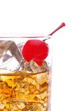 Whisky con la cereza Imagen de archivo