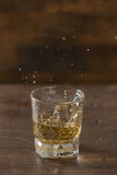 Whisky in een glas Stock Fotografie