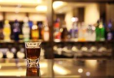 Whisky en la barra Imagen de archivo libre de regalías