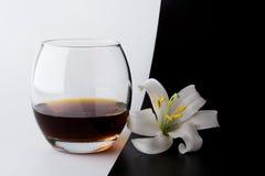 Whisky en lelie Stock Foto's