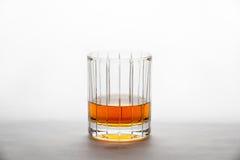 Whisky en un vidrio del Recto-corte Fotos de archivo libres de regalías