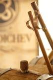 Whisky goß in ein Glas lizenzfreies stockbild