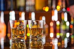 Whisky met ijs stock fotografie