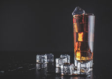 Whisky met ijs Royalty-vrije Stock Afbeeldingen