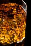 Whisky och is royaltyfria bilder