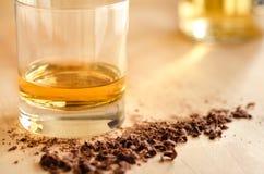 Whisky och choklad Arkivfoto