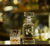 Whisky oude glases stock afbeeldingen